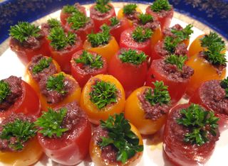 Cherry-tomato-tapenade-finger-food