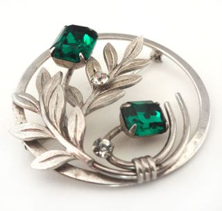 Jewelry_green_silver_pin_04