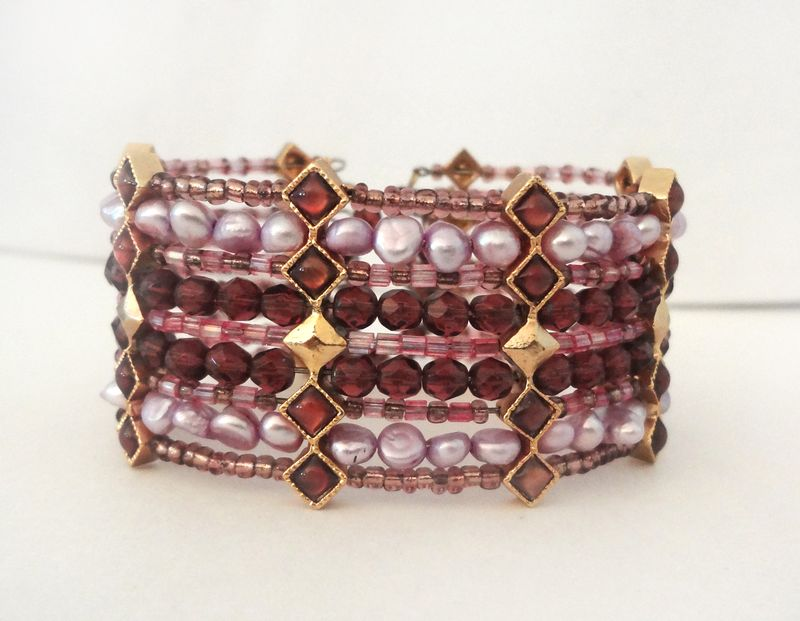Jewelry_amethyst_purple_cuff_01